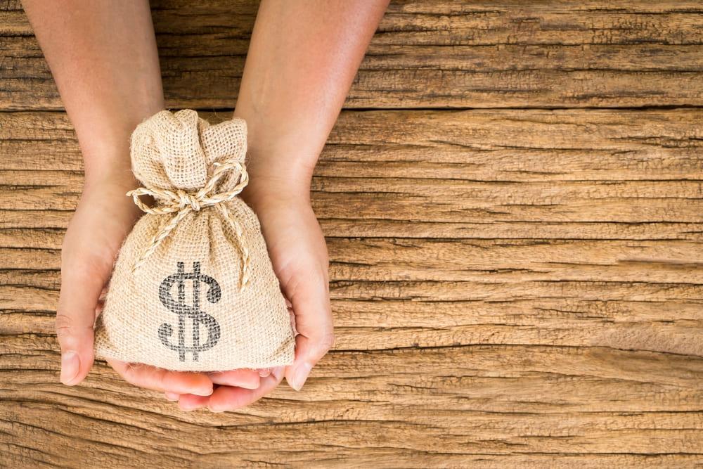 給料ファクタリングとカードローンのメリット・デメリットを比較